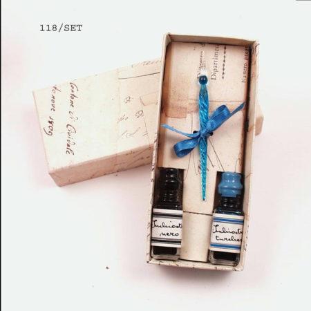 Kis csavart muránói üvegtoll, két tintával, díszdobozban