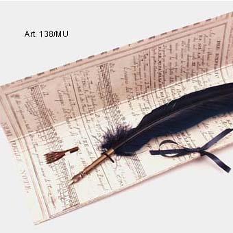 Nagyméretű penna, pót kottahúzó fejjel, papír karton csomagolásban selyemszalaggal