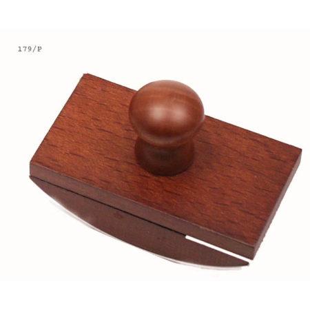 Nagyméretű itatós fából fa gombbal