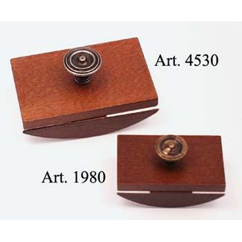 Kis méretű itatós fából fém gombbal (itatós cseréjéhez lecsavarható tetővel)