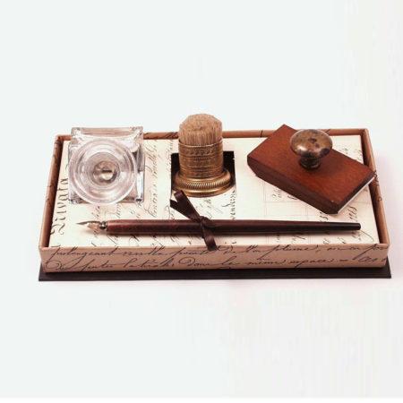 Barna nyelű fa iron, tintatartó, itatós, díszes pemzli