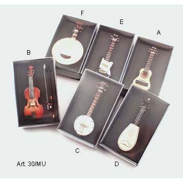 Mini hangszerek (gitár, hegedű)