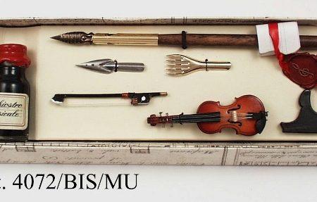 Mini hangszerek készletben (hegedű), ironnal, tintával és póthegyekkel díszdobozban