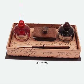 Kis iron 2 tintával, kis itatóssal fekete díszdobozban