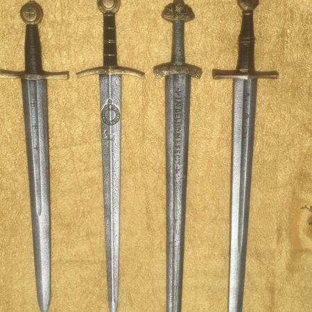 Lovagi kardok