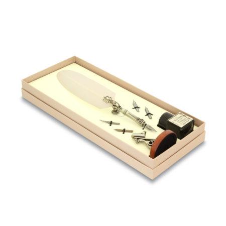 Írószerkészlet pennával, antik tollhegyekkel, díszes fa tolltartóval és tintával