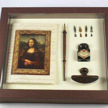 Leonardo sorozat - Nagy írószerkészlet fa ironnal, tollhegyekkel, tintával és itatóssal díszdobozban