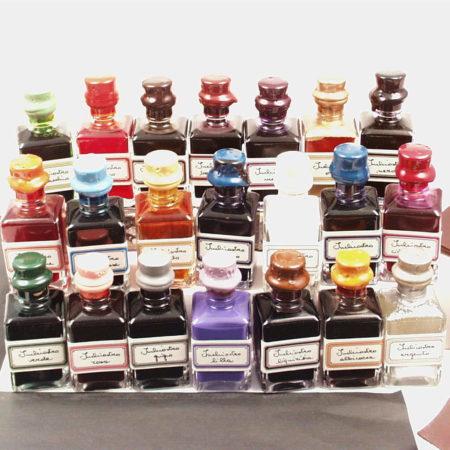 32 ml-es kis tinta különböző színekben