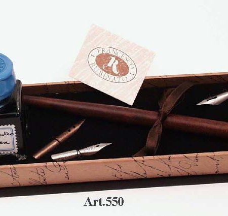 Írószerkészlet 25 ml-es tintával, fa ironnal cserélhető póthegyekkel díszdobozban