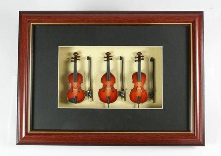 Nagyon dekoratív falikép vonós reprodukciókkal